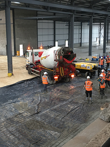 Jointless-steel-fibre-combislab-by-industrial-concrete-flooring-contractors-FI